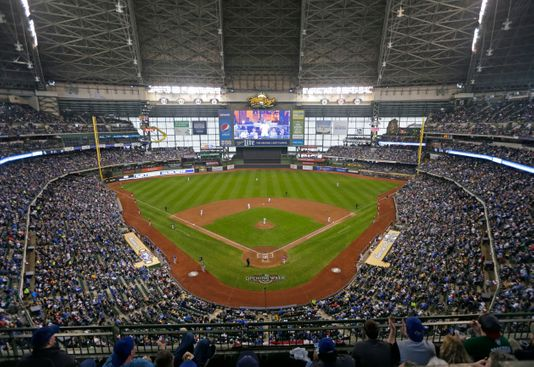 Milwaukee Brewers vs. Los Angeles Dodgers at Dodger Stadium